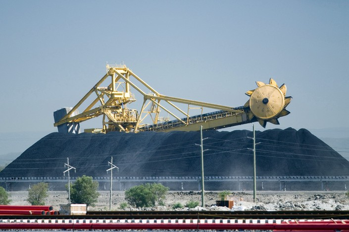 Canberra, Beijing Downplay Reports of Coal Import Restrictions