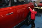 本土品牌汽车大型化 平均油耗不降反升