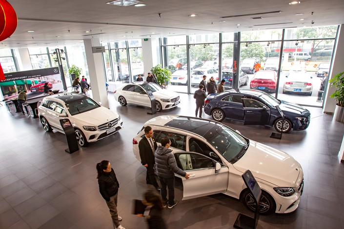 Luxury-Car Buyers Might Not See Savings From Slashed Sticker Prices, Experts Say