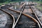 ?#23637;?#37329;货运列车脱轨至少30人死 遇难者多为偷渡儿童