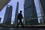 图解中国7月经济数据/房企今年买地面积和成交价款下滑近三成 数据精华