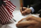 曾领取公共福利将危及移民申请资格?美政府新规引争论