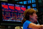 市场担忧美国经济衰退 道指暴跌800点