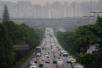 国务院首提取消汽车限购 交通拥堵空气污染诉求难平衡