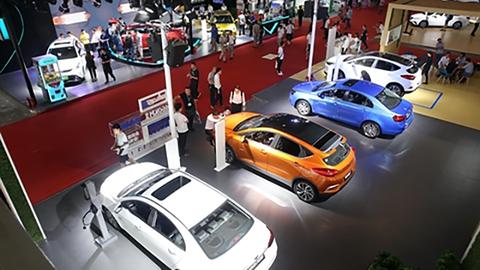 【新经济 · 片花】新能源汽车怎么卖?