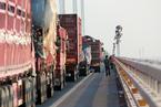 移动源成大气污染重要来源 柴油货车是污染大头