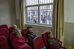 葛延风:为适应老龄化 政府和机构需调整医疗服务方向