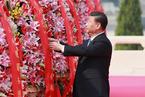 習近平等出席烈士紀念日向人民英雄敬獻花籃儀式并瞻仰毛澤東同志遺容