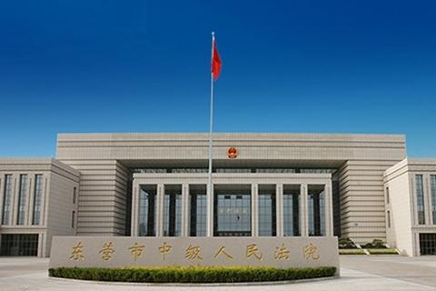 蔡国华一案的控辩双方展开了激烈的斗争:被控犯有五项罪行的蔡国华几乎完全