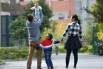 """减少""""丧偶式育儿"""" 上海妇联建议强制男方休30天育儿假"""
