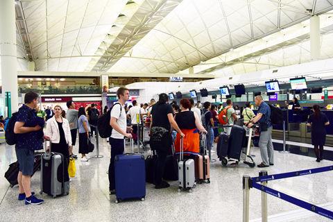上海广州两机场全年客运量均超越香港