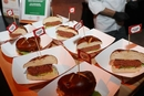 星巴克上架植物肉三明治 中美食饮企业发力人造肉