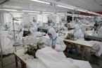 全国防护服产能过剩 全球厂商接力增产