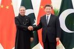 """习近平晤见巴基斯坦总统 表示要深化中巴""""铁杆""""情谊"""