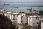 全球石油需求�E降 油企或�⒈蝗绺詹乓话闫�p�a