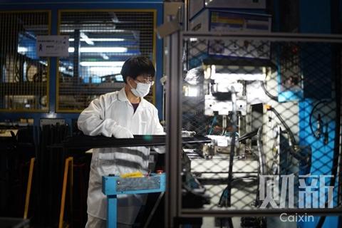 湖北规上工业企业平均开工率超95% 人员复岗七成左右