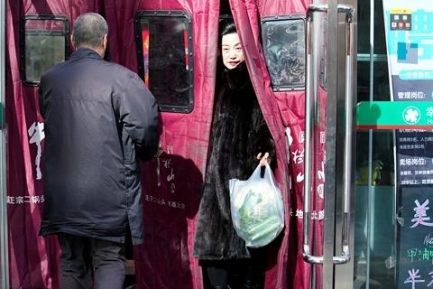 """北京防控等级降低致旅游需求暴涨 """"全国游""""仍未彻底放开"""