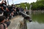 英国拆蓄奴者雕像呼声高涨 伦敦将审查全市公共建筑