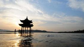 杭州西湖集贤亭重建完工