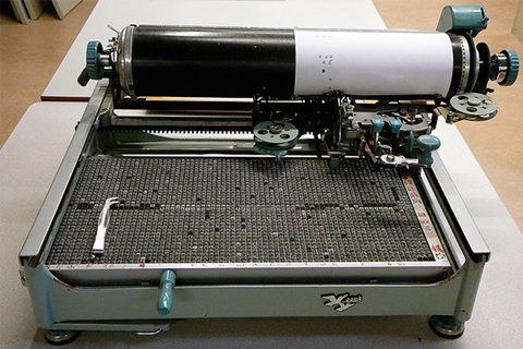 A Chinese typewriter in the 1950's that could anticipate predictive text derickafox / Creative Commons