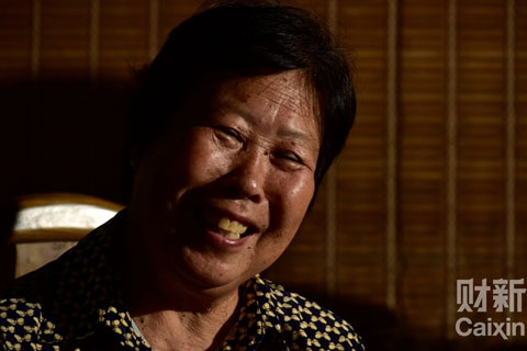 Zhang Huanzhi, Nie Shubin's mother smiles after learning about the Supreme Court's decision to reopen her son's case