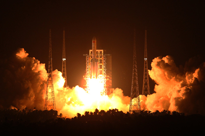 The Shijian-17 satellite, loaded with the HEP-100MF thruster, is launched by a Long March 5 rocket in the Wenchang Satellite Launch Center in Hainan province on Nov. 3. Photo: Xinhua