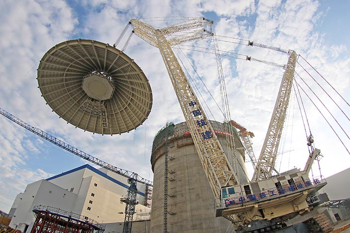 A containment dome for the No. 2 nuclear unit is installed at the Haiyang Nuclear Power Plant in Haiyang, Shandong province, on Sep. 12, 2015. China has resumed construction of three inland nuclear power plants in Hunan, Hubei and Jiangxi provinces. Photo: IC