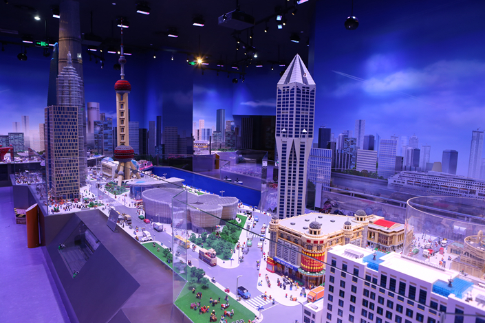 An exhibit is displayed at the Shanghai Legoland Discovery Center in 2016. Merlin Entertainments Group is planning to launch a Legoland theme park in Dianshan Lake in Shanghai in 2022. Photo: IC