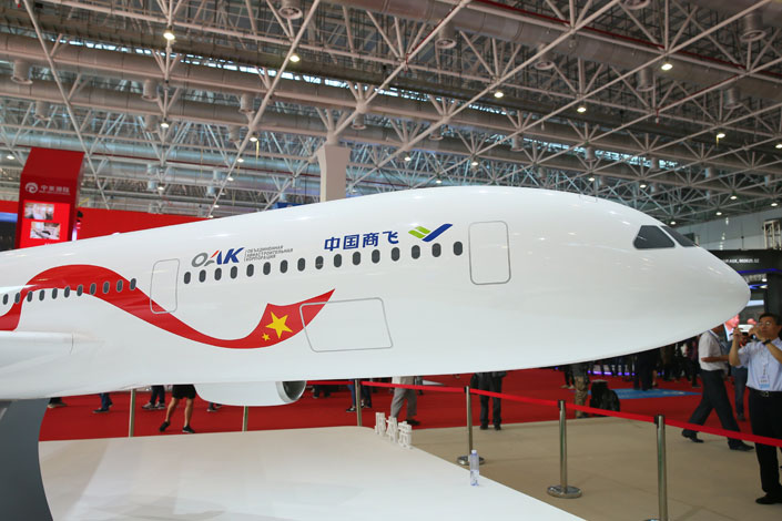 A model of a wide-body passenger aircraft presented at Airshow China in Zhuhai, Guangdong province, on Nov. 2, 2016. The new plane is expected to challenge the Airbus-Boeing duopoly. Photo: IC