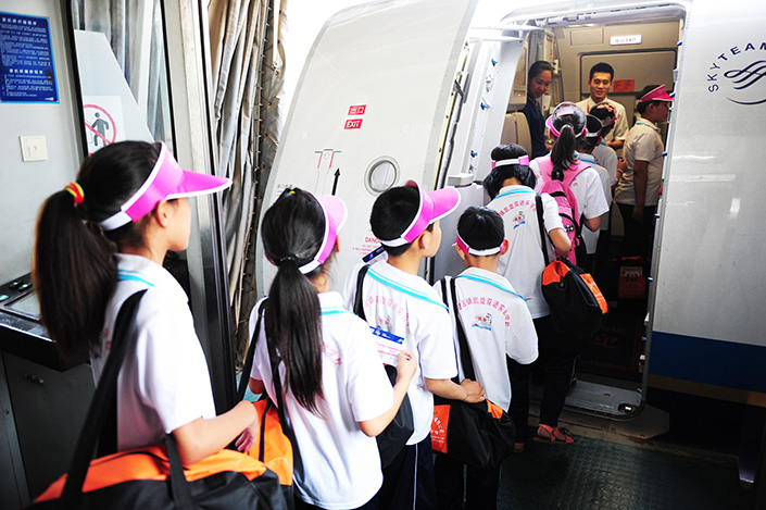 China this year has seen 7,000 more flight delays a day than it did last year, as the on-time flight rate so far this year has fallen to 71.8%. Photo: Visual China