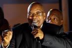 南非总统挺过第八次不信任投票冲击 但在执政党内声望已重挫
