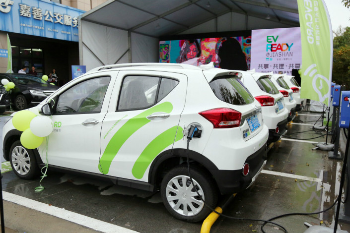 China sets 2019 deadline for automakers to hit green-car sales targets