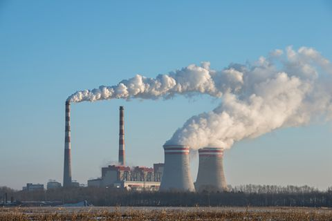 China's power plants release about 3.5 billion metric tons of carbon dioxide every year — about 40% of the country's annual greenhouse-gas emissions. Photo: Visual China