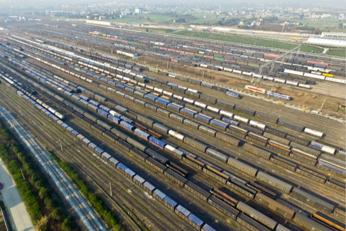 China Railway Corp. hauled 2.4 billion tons of freight over the first 10 months of this year, putting it on track to hit its 2017 target of 2.75 billion tons of freight. Photo: Visual China