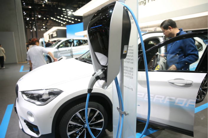 Authorities will slash new-energy vehicle subsidies by 20% next year, instead of in 2019 as originally planned, with the end of subsidies scheduled for after 2020, a source with knowledge of the matter said. Photo: Visual China