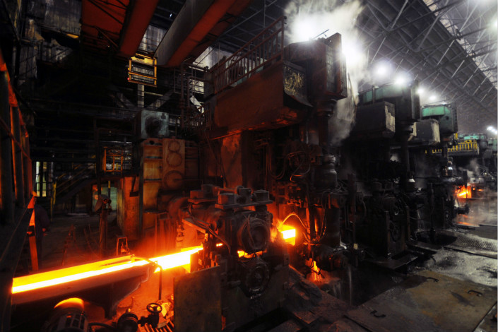 Hit by falling demand in recent years, Chongqing Iron & Steel reported a net loss of 998.48 million yuan ($151 million) in the first half of 2017 — an improvement from its net loss of 1.79 billion yuan in the same period last year. Photo: Visual China