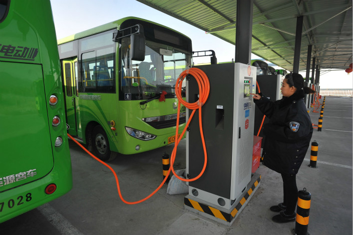 A Ministry of Transportation spokesman said that China is likely to have 600,000 electric vehicles being used for public transportation by 2020. Photo: Visual China