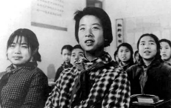 Huang Shuai was featured in numerous revolutionary posters, magazines and books, and was invited to speak at rallies staged by the revolutionary left.