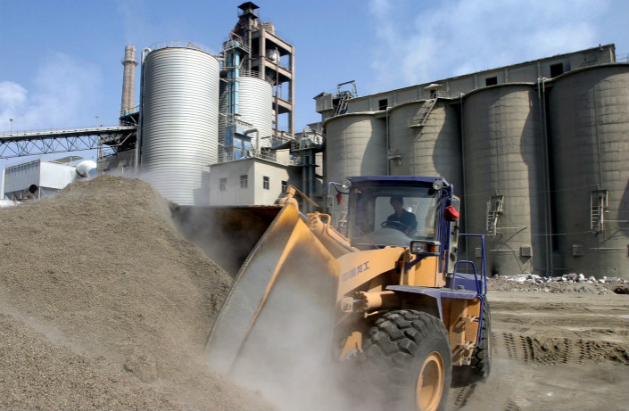 The surge in China's imports of clinker, a component used in the production of cement, came as prices of domestically produced clinker have been increasing in recent months. Photo: Visual China