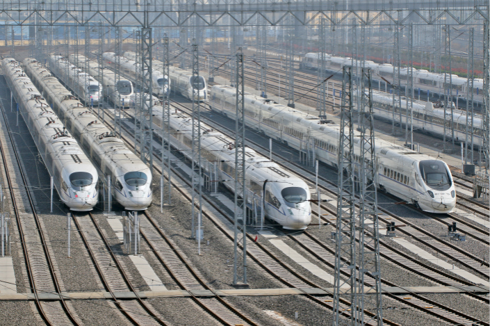 The years-long investment frenzy in China's railway sector means that China Railway Corp. has also taken on a lot of debt. After the company was spun off from the now-defunct Ministry of Railways in 2013, its debt grew from 2.66 trillion yuan ($409.2 billion) to 4.72 trillion yuan as of the first quarter of 2017. Photo: IC