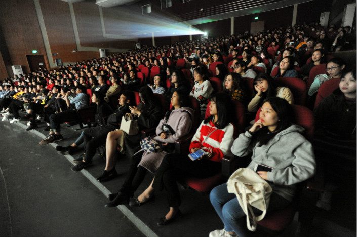 Moviegoers watch a film in Wuhan, Hebei province on Oct. 25.  In 2017, about 6% of the movie industsy's annual revenue was earned over the week-long Lunar New Year holiday, which was actually down from 8% the previous year. Photo: VCG