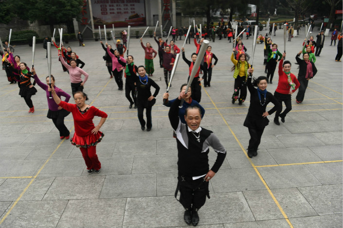 Seniors dance in Shaping Park in the southwestern city of Chongqing on Jan. 12. Photo: VCG