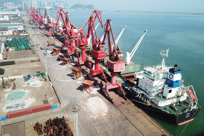 Cargo ships prepare to be loaded with containers at the Port of Lianyungang in Jiangsu province on June 8. Photo: IC