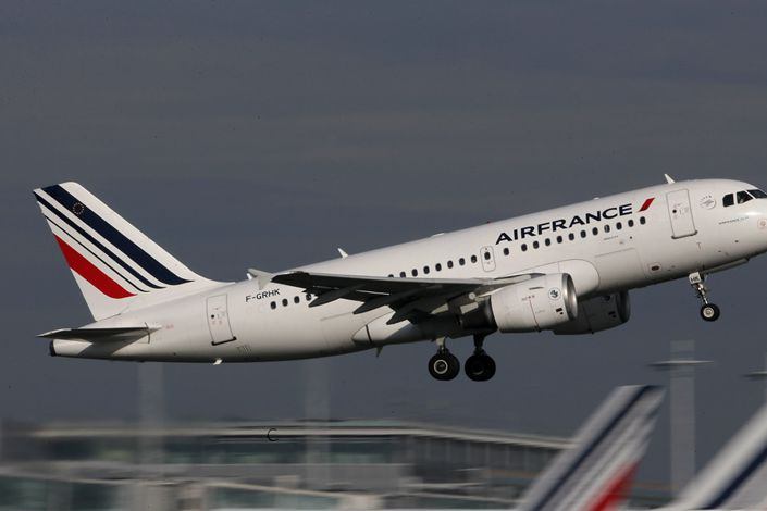 An Air France Airbus A320 aircraft takes off at Charles de Gaulle International Airport in Roissy, near Paris in October 2015. Photo: VCG