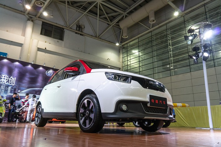 Electric-vehicle maker Dearcc showcases one of its models on May 1 in Fuzhou, East China's Fujian province. Photo: VCG