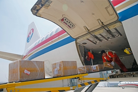 More than 22 billion packages were delivered in the first six months of 2018. Photo: VCG