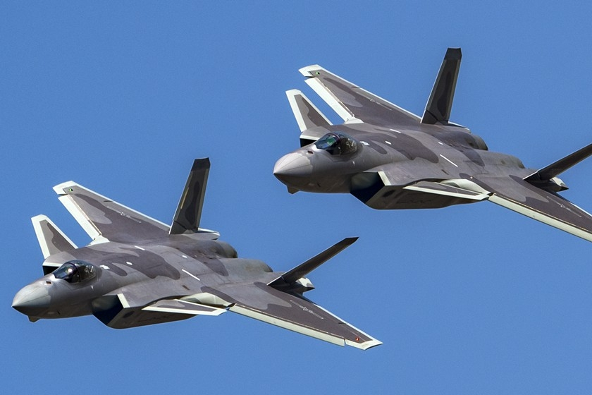 Two Chengdu J-20 fighter aircraft rehearse on Oct. 30 for their performance at the China International Aviation & Aerospace Exhibition, which has been held once every two years since 1996. The exhibition will be held in Zhuhai, Guangdong province from Nov. 6 to Nov. 11, and is also known as the Zhuhai Airshow. Photo: VCG_Gallery: Firepower on Display