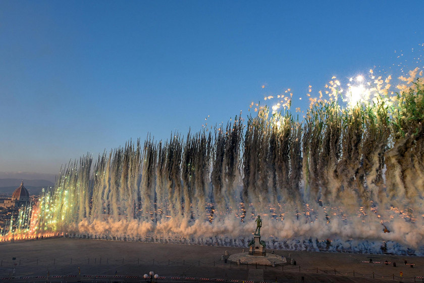 "A daytime fireworks show titled ""City of Flowers in the Sky"" took place at Piazzale Michelangelo in Florence, Italy, on Sunday. The show was created by Chinese artist Cai Guoqiang. Photo: IC_Gallery: Chinese Artist Cai Guoqiang Creates Sunday Spectacle at Piazzale Michelangelo"