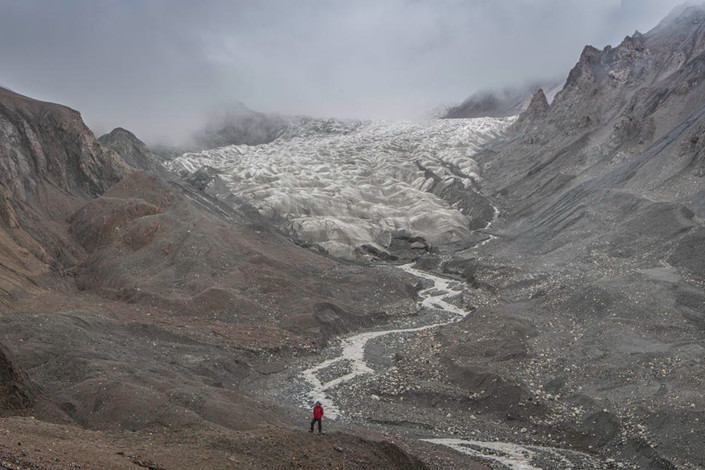 Laohugou Glacier No. 12 is seen in the Qilian Mountains of Gansu province. Photo: Greenpeace