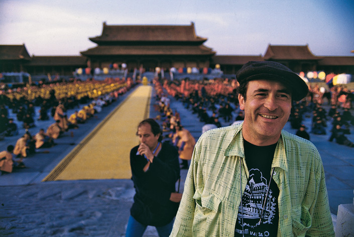Bernardo Bertolucci in the Palace Museum, Beijing during the filming of
